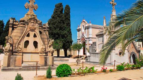 Cementerio modernista - 542c3-lloret-cementiri-modernista.jpg