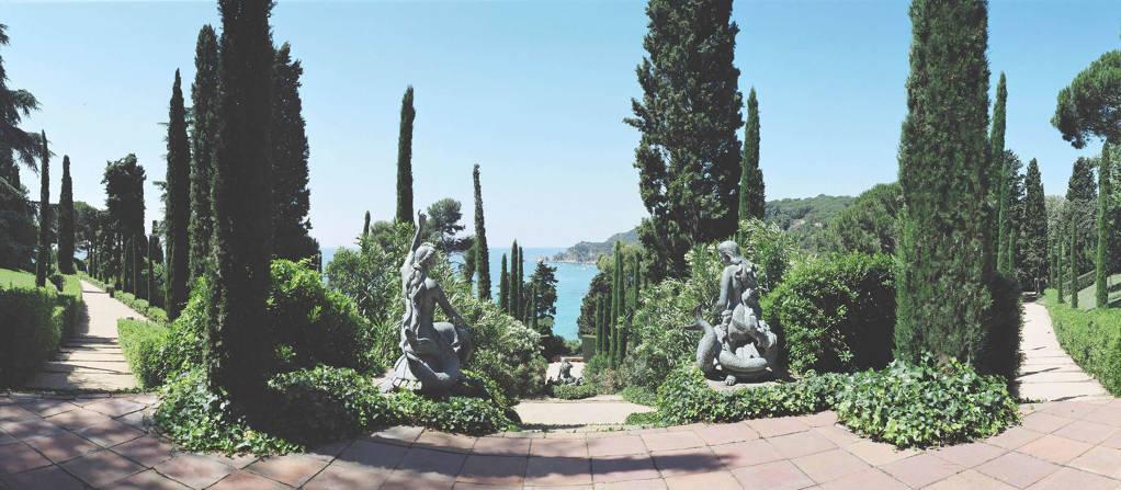 Romà and Cristina Show you the Gardens